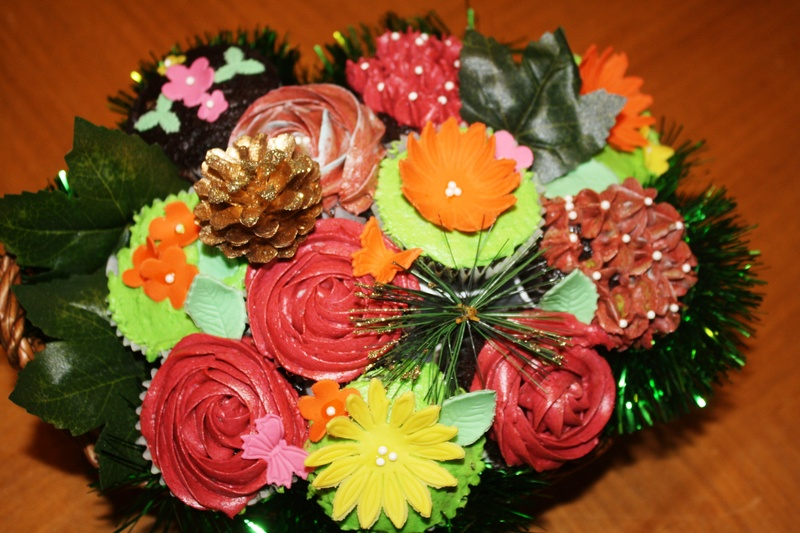 Fall Cupcake Bouquet with pinecones & buttercream flowers