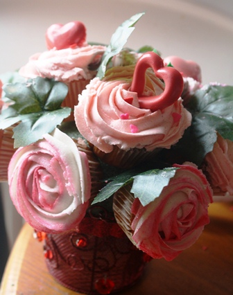 Cupcake Bouquet for Valentine's Day!