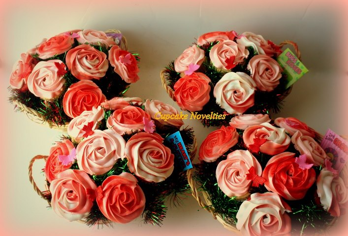 Red & Pink Roses Valentine's Day Flowers Cupcake Bouquet